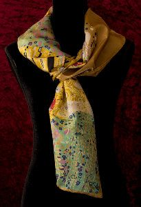 Gustav Klimt scarf : The kiss