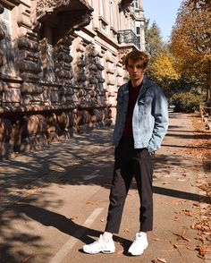 Men outfit sneakers Nike Air Max 95 white blanche denim jacket suit pant veste jean pantalon costume - Maurice style Menswear fashion blog - Blog mode homme