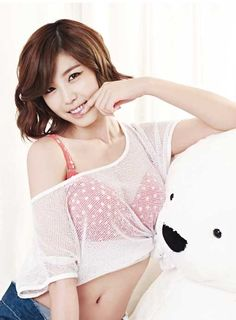 SECRET's Hyosung models spring underwear line for 'Yes'