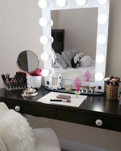 Glam goals! Seriously goal-worthy vanity station right here! @yanissa18's space features our #impressionsvanityglamourxl (at Impressions Vanity Co.)