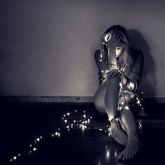 Portrait In Fairy Lights Photoshoot Fairy Light Photography, Christmas Photography, Dark Photography, Portrait Photography, Implied Photography, Photography Ideas, Boudoir Photography Poses, Grunge Photography, Shooting Photo Boudoir