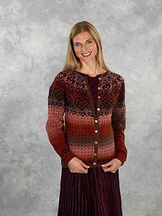 Koften strikkes fra toppen og nedover. Needles Sizes, Sweater Cardigan, My Design, Wool, Knitting, Pattern, Sweaters, Dresses, Fashion