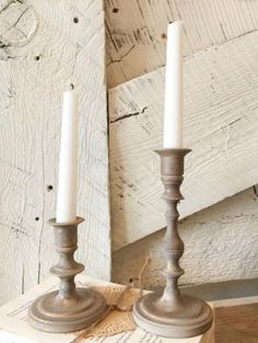 Farmhouse style candlesticks | old brass candlesticks | DIY farmhouse candlesticks | chalkpaint candlesticks | repurpose projects