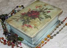 Decoupage Box - roses