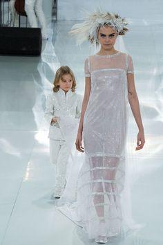 christian dior haute couture spring 2014 - Google Search Chanel Couture, Haute Couture Paris, Couture Mode, Style Couture, Spring Couture, Couture Fashion, Fashion Show, Chanel Runway, Runway Fashion