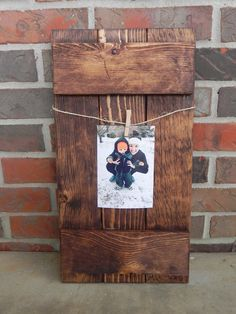 Rustic Pallet Picture Frame / Rustic Home Decor / Reclaimed Pallet Wood / Home Decor / Picture Holder / Farmhouse Decor / Christmas Decor by TheRusticWillow25 on Etsy (null)