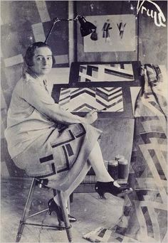 Sonia Delaunay. I need to make this skirt and I totally want those shoes!