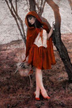 dark_red_riding_hood_III_by_caperuccita.jpg (730×1095)
