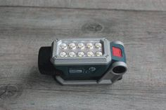 Test Bosch Pro : Lampe sans fil GLI DeciLED 10,8V, un vrai coup de coeur ! @boschbricolage