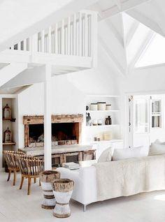 Prachtig lichte ruimte met stoere touch van hout