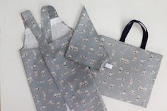 頭からすっぽりかぶる、こども用バッククロス型エプロンの作り方 | nunocoto fabric Gift Wrapping, Sewing, Fabric, Crafts, Pinafore Dress, Aprons, Children, Gift Wrapping Paper, Tejido