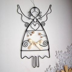 Dekorácie - anjel s perličkami a mašľou....vianoce - 5932331_