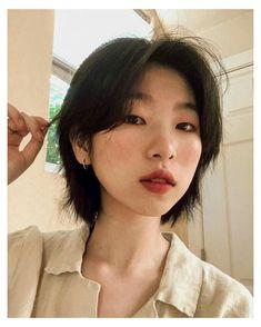 #korean #short #hair #pixie #koreanshorthairpixie Asian Short Hair, Girl Short Hair, Short Hair Cuts, Korean Short Haircut, Short Hair Tomboy, Short Hair Fashion, Asian Pixie Cut, Short Hair Korean Style, Japanese Short Hair