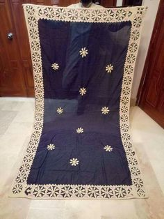 Embroidery Works, Embroidery Suits, Hand Embroidery Designs, Applique Designs, Machine Embroidery, Balochi Dress, Daisy Dress, Bed Cover Design, Applique Cushions