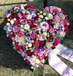 Trauergesteck Funeral Flower Arrangements, Funeral Flowers, Funeral Caskets, Funeral Sprays, Grave Decorations, Funeral Tributes, Memorial Flowers, Sympathy Flowers, Arte Floral