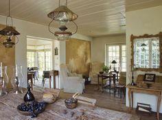 I love this color palette.  Décor de Provence: La maison dul lac...