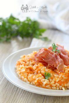 Risotto con zucca e speck #riso #risotto #zucca #speck #mille1ricette  #food #cena #foodporn  #pranzo #delicius #fattoincasa #foodblogger #cibo #ricetta #blog #ricettario #ricettadolce  #veloce #chebuono #golosità #followme #influencer #foodinprimis #foodinfluencer #top_food_pics Good Food, Food And Drink, Polenta, Biscotti, Cooking, Ethnic Recipes, Health, Favorite Recipes, Risotto