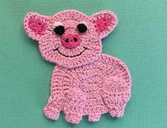 Crochet pig fourth leg