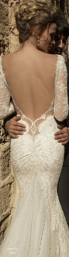 Sexy Wedding Gowns with Daringly Low Backs | Team Wedding Blog