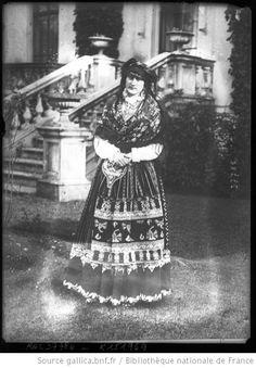 La reine Augusta Victoria en costume de portugaise : [photographie de presse] / [Agence Rol] --1914