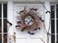 Der ist ein wenig karg, tut aber seine Wirkung: Grusel-Kranz zu Halloween