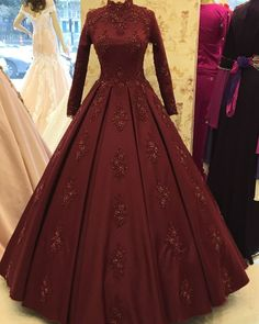 2020 New Muslim Evening Dress Heavy Beading Long Sleeves - 2020 New Muslim Evening Dress Heavy Beading Long Sleeves Source by - Wedding Frocks, Disney Wedding Dresses, Bridal Dresses, Prom Dresses, Dress Wedding, Formal Dresses, Muslim Evening Dresses, Indian Gowns Dresses, Long Sleeve Evening Dresses