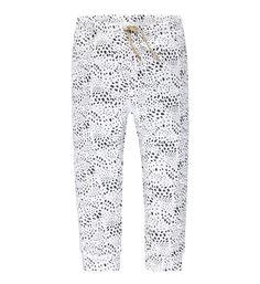 Tumble 'N Dry broek Emu met all over vlekken print. Deze jogg heeft een 2 steekzakken, elastische taille en een goudkleurig veter detail. 95% katoen, 5% elasthan Tumble N Dry, Pajama Pants, Pajamas, Emu, Denim, Grey, Jeans, Prints, Fashion