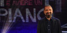 """Stefano Bollani con """"L'importante è avere un piano"""" travolge la seconda serata di Rai1"""