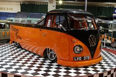 VW bus @Sarah Chintomby Wunder