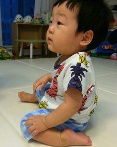 Asian Babies, Asian Boys, Triplets, Twins, Sunflower Iphone Wallpaper, Superman Kids, Korean Tv Shows, Vernon Seventeen, Boy Meets