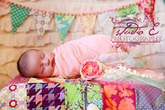 Cute cute from the bunting to the coordinating quilt.
