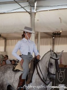 Horse Caballo, Andalusian Horse, Women's Equestrian, Equestrian Outfits, Spanish Dress, Riding Habit, Young Blood, Horse Girl, Women In History