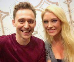 "Anna Klassen: ""Tom Hiddleston is a top-notch bloke. Warm, sincere, thoughtful, & silly."" (https://twitter.com/AnnaJKlassen/status/832736993821941760 )"
