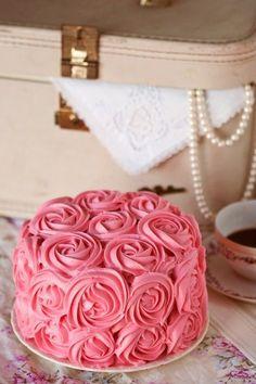 クリームだけで作られた薔薇ケーキ**まるでアートのような可愛すぎる〔ローズケーキ〕7選♩にて紹介している画像