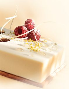 Callebaut® chefs and ambassadors are happy to share their finest chocolate recipes with you. Beaux Desserts, White Chocolate Mousse, Individual Desserts, Fun Baking Recipes, Beautiful Desserts, My Best Recipe, French Pastries, Eat Dessert First, Pastel