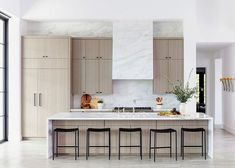 Inside a Modern Family Home in La Quinta, California Home Staging, Luxury Kitchens, Home Kitchens, Tuscan Kitchens, Beach Kitchens, Home Design, Design Ideas, Modern Family, Home And Family