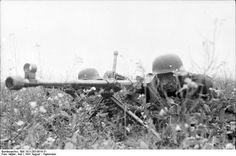 Soldados alemanes con un rifle antitanque Panzerbüchse 39; URSS, agosto-septiembre de 1941