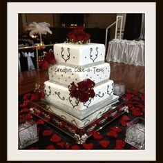 Wedding cake - Hollywood Glam, black and white real red roses