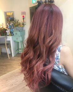いいね!77件、コメント2件 ― BATTAさん(@batta.hair)のInstagramアカウント: 「最近ピンク率高い#pink#hair#hairstyle#haircolor#haircut#ombre#balayage#highlights#lowlights#ash#wave#straighthair#longhair#hairdo#hairofinstagram#ヘア#ヘアカラー#アッシュ#ベージュ#グラデーション#バレイヤージュ#オンブレ#ハイライト#ローライト#外国人風#ピンクベージュ#ピンクグラデーション#ピンクアッシュ」