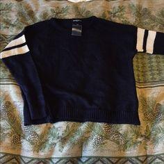 Brandy Melville knit Veena sweater Brand new Brandy Melville Veena sweater • no trades • second photo added as try on Brandy Melville Sweaters Crew & Scoop Necks