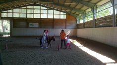 I più piccoli giocano con la pony Rita Basketball Court