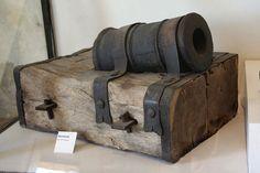 Portable bombard, end of 15th century. Photo taken in the Château de Castelnaud, Castelnaud-la-Chapelle, Dordogne, Aquitaine, France.