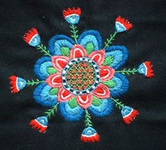 Skånskt yllebroderi - traditional Swedish folk lore embroideries in wool