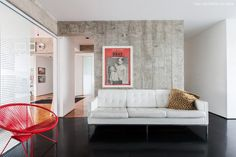 21-decoracao-cozinha-parede-concreto-sofa-branco