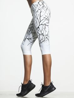 Whether you're an early morning yogi or a post-dinner spinner, these Capris from Splits59 are going to keep you moving. The perfect 3/4 length is just right for any number of workouts, and the chafe-free flatlock seams and quick dry fabric ensure that you'll stay comfortable long after your workout is over.