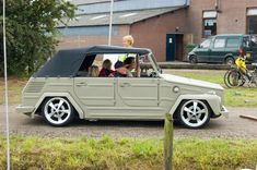 a picture called lowered vw thing type 181 1004 should be here...