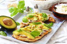 Kanapka z awokado - na pyszne śniadanie - Madame Edith Mozzarella, Avocado Toast, Zucchini, Smoothie, Dip, Vegetables, Breakfast, Food, Smoothies