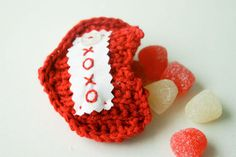 cute! a knit pocket full of sweets - free pattern