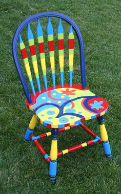 old chairs decorate old furniture spice upcycling ideas diy ideas deco ideas craft ideas 20 Painted Wooden Chairs, Whimsical Painted Furniture, Hand Painted Furniture, Funky Furniture, Paint Furniture, Painted Tables, Street Furniture, Furniture Design, Painted Childs Chair