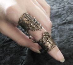 doble anillo medieval Armor Ring, Metal Clay Jewelry, Family Jewels, Double Ring, Girly Things, Jewelery, Fashion Jewelry, Rings For Men, Jewelry Making